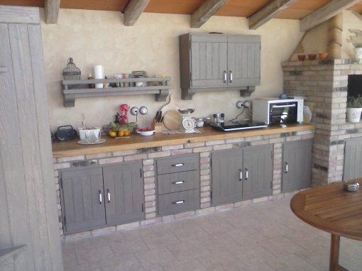 Rustikalna kuhinja v Šepuljah